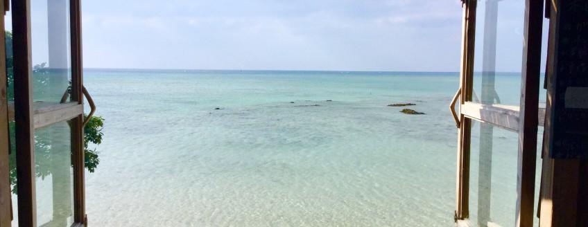 沖縄で人気のオーシャンビューレストラン 浜辺の茶屋