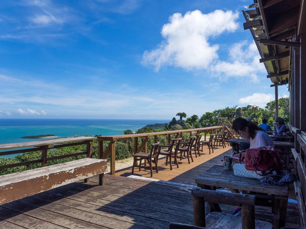 沖縄で人気のオーシャンビューレストラン カフェくるくま