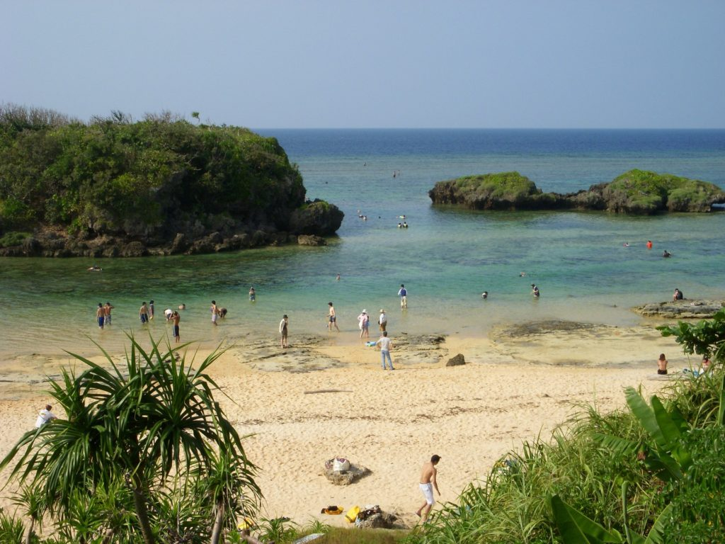 沖縄の海開きはいつ?