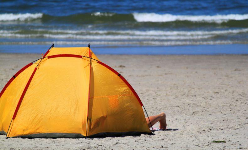 海水浴に最適!日差しを寄せ付けない、おすすめビーチテント10選