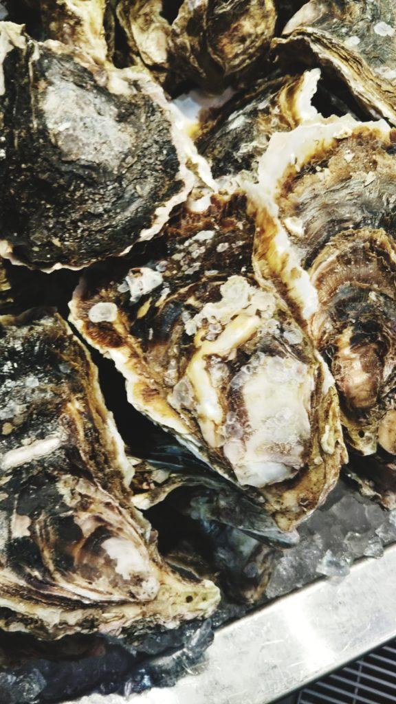 近江町市場の牡蠣