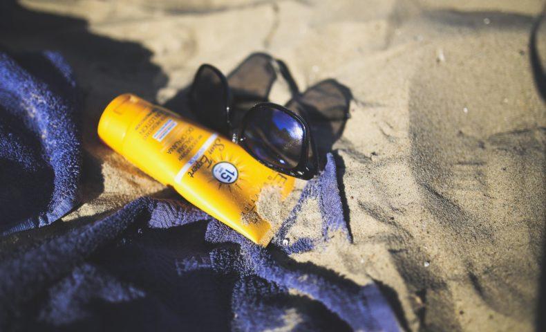 サーファーが愛用しているサーフィンにおすすめの日焼け止め7選