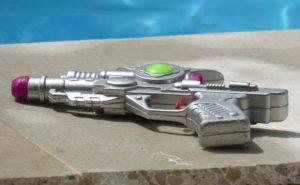 海・プールで盛り上がる!大人が楽しめる水鉄砲の人気おすすめ9選