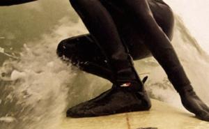 冬のサーフィンの必須アイテム「サーフブーツ」の人気おすすめ7選