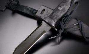 ダイバーの命を守る!ダイビングナイフの選び方とおすすめ5選