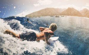 動画で学ぶ!サーフィンのテイクオフの基本と練習方法