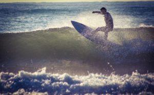 日本でサーフィンをやるならここ!おすすめサーフスポット7選
