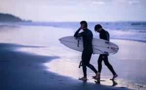 人気ブランド勢揃い!サーフィンにおすすめのウェットスーツ7選