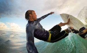 アクションカメラでサーフィンを撮影する時に使いたい有能アクセサリー